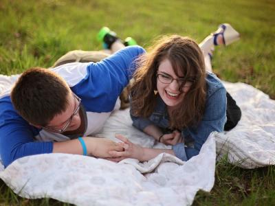 40 frases engraçadas de amor para compartilhar e se divertir
