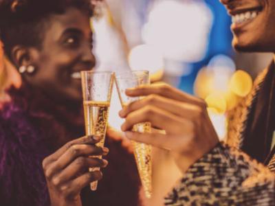 40 frases de Ano Novo para namorada que encantarão seu coração