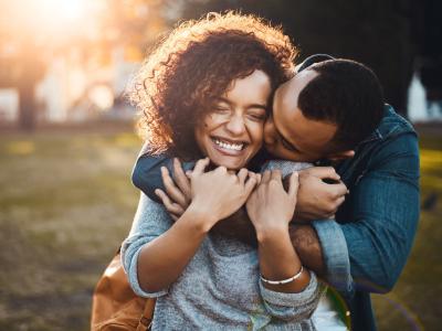 40 frases de 10 meses de namoro que celebram o tempo juntos