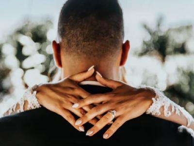 30 frases de 2 anos de casados perfeitas para as bodas de algodão