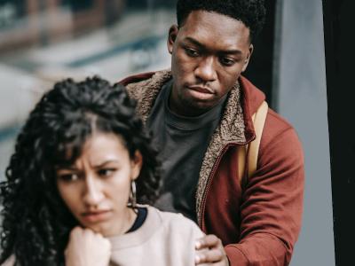 60 frases de arrependimento para namorada pedindo segunda chance
